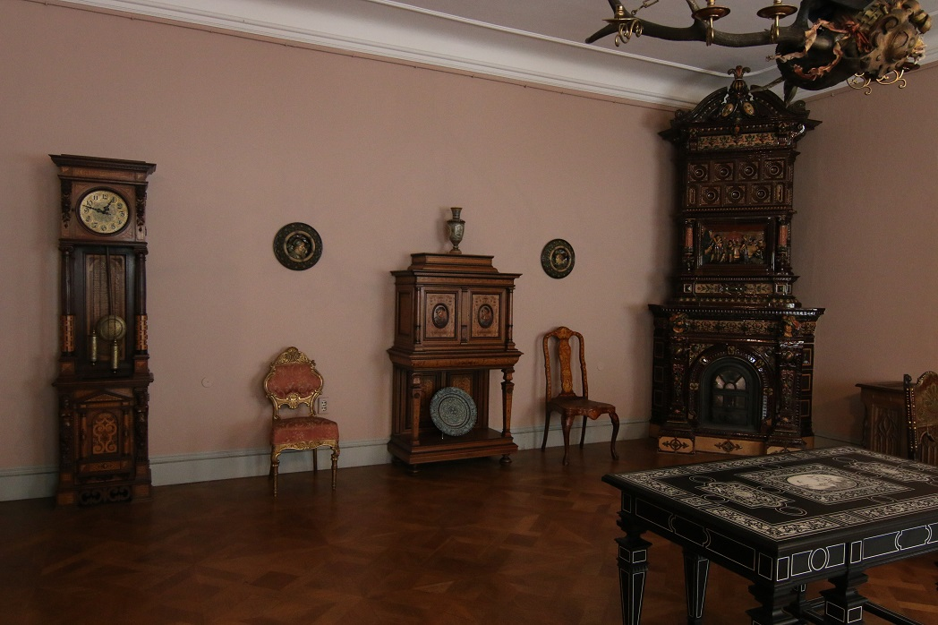Интерьеры и мебель. Отражение.
