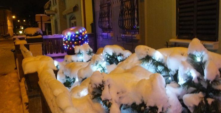 Снежные декорации. Зимняя ночь. Зебниц.